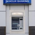 年末年始の主要銀行ATM手数料、コンビニと支店はどう違う?【2015~2016】